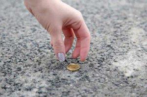 что-будет-если-поднять-монету-на-улице