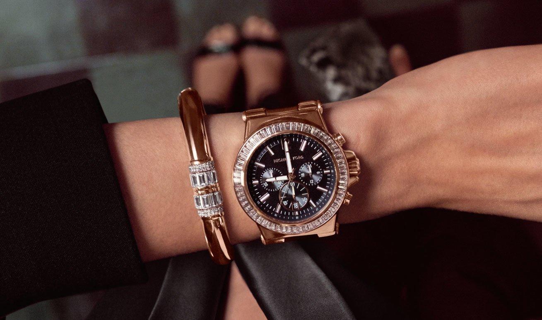 часы на левой руке приметы