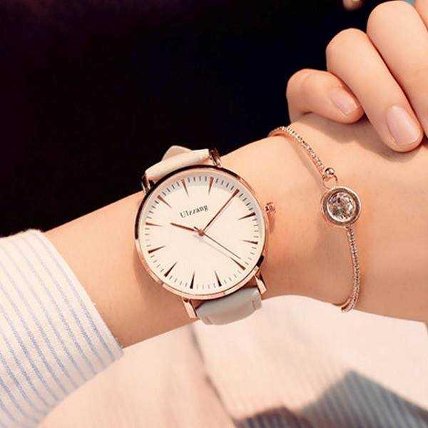 часы в подарок женщине