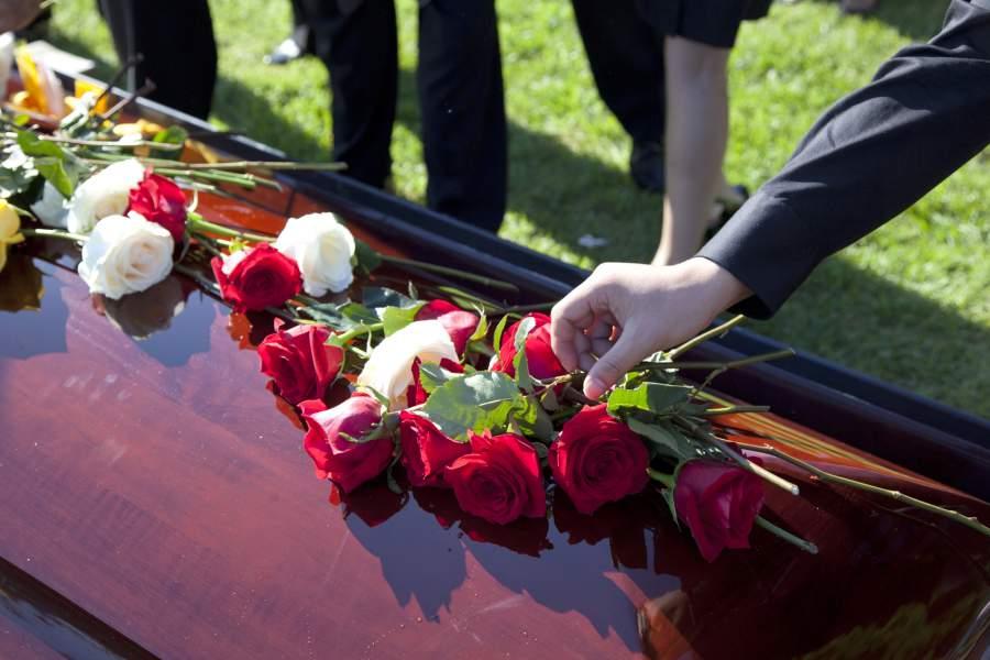 похороны приметы